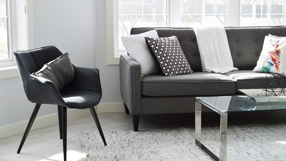 Expert Tips to Remove Stains from Your Sofa