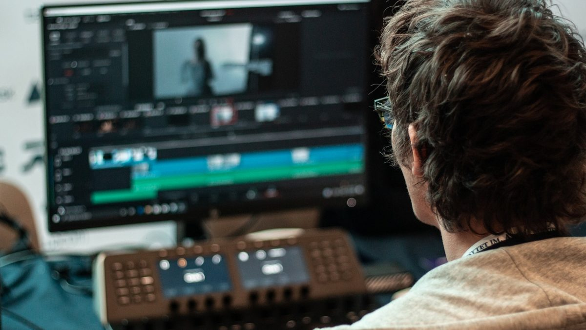 How To Choose A Video Editor Software For Your Youtube Channel